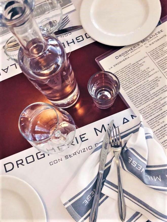 drogherie milanesi - tovagliette posate