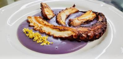trattoria dai sibani polpo con vellutata di patate viola